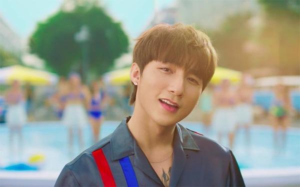 Sơn Tùng hiện đang là cái tên hot trong Showbiz Việt khi sở hữu những ca khúc có số lượng người xem kỷ lục. Vậy, ngay bây giờ hãy cùng chúng tôi điểm qua những ca bài hát của Sơn Tùng làn nên tên tuổi trong thời gian qua nhé.